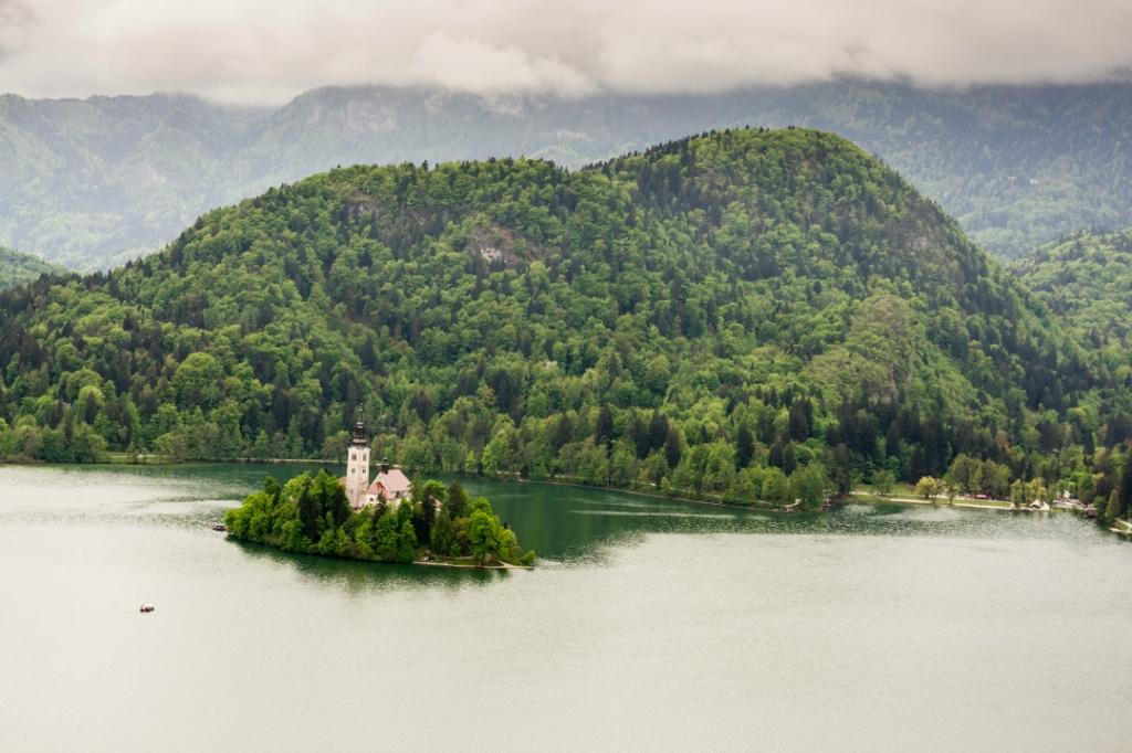 Блед и Бохинь – удивительные озера Словении