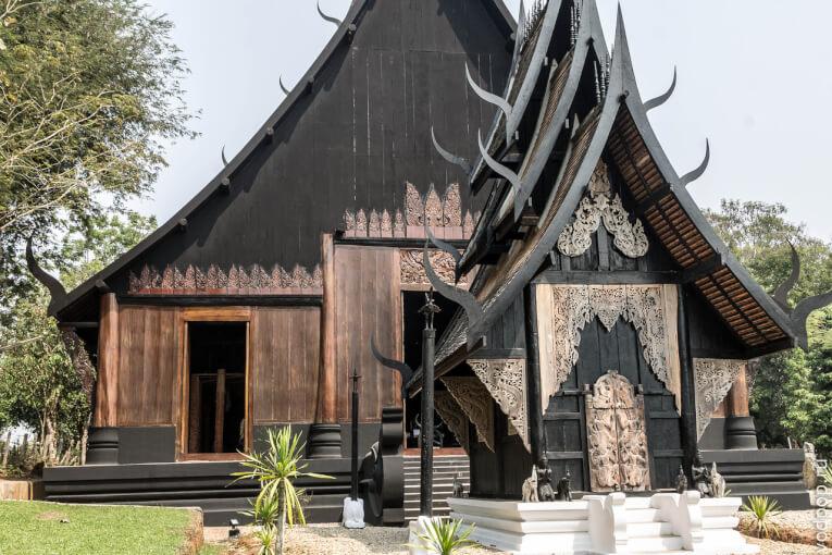 Чианг Рай. Черный храм: самый жуткий храм Таиланда