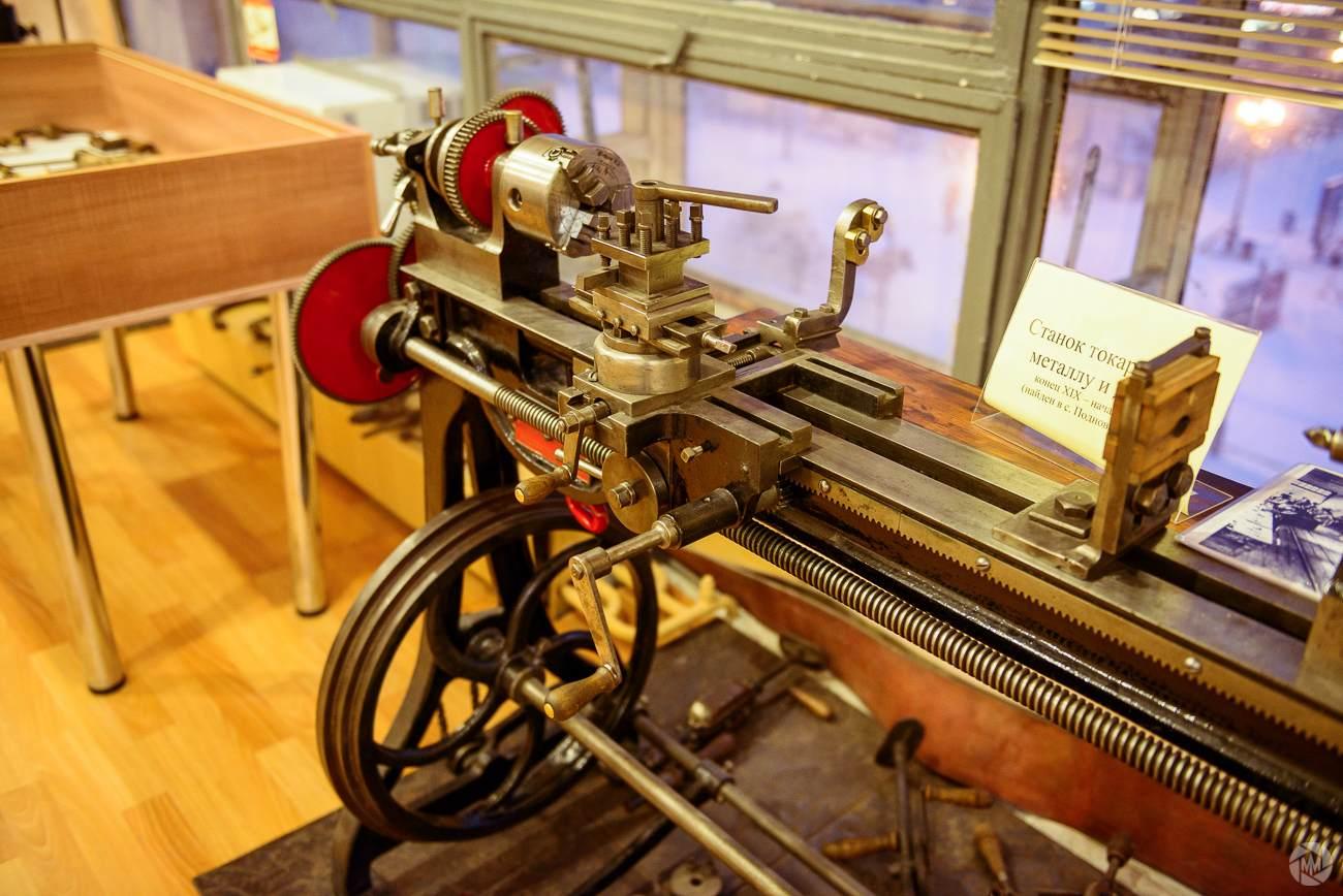Токарный станок, экспонат музея старинной техники