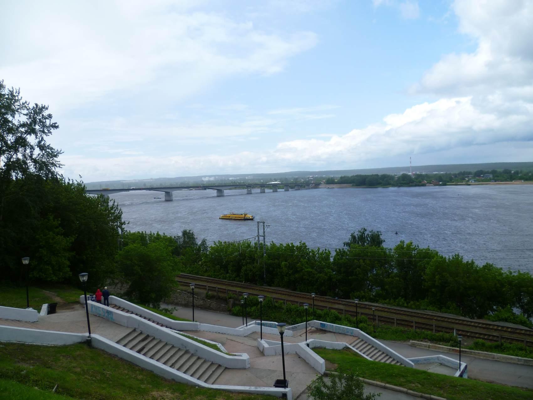 вид на реку Кама с набережной